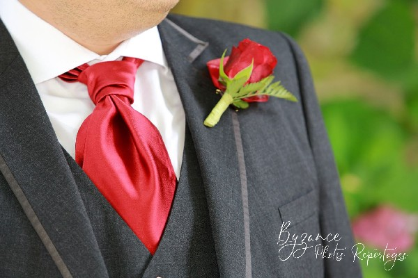 Costume du marié.